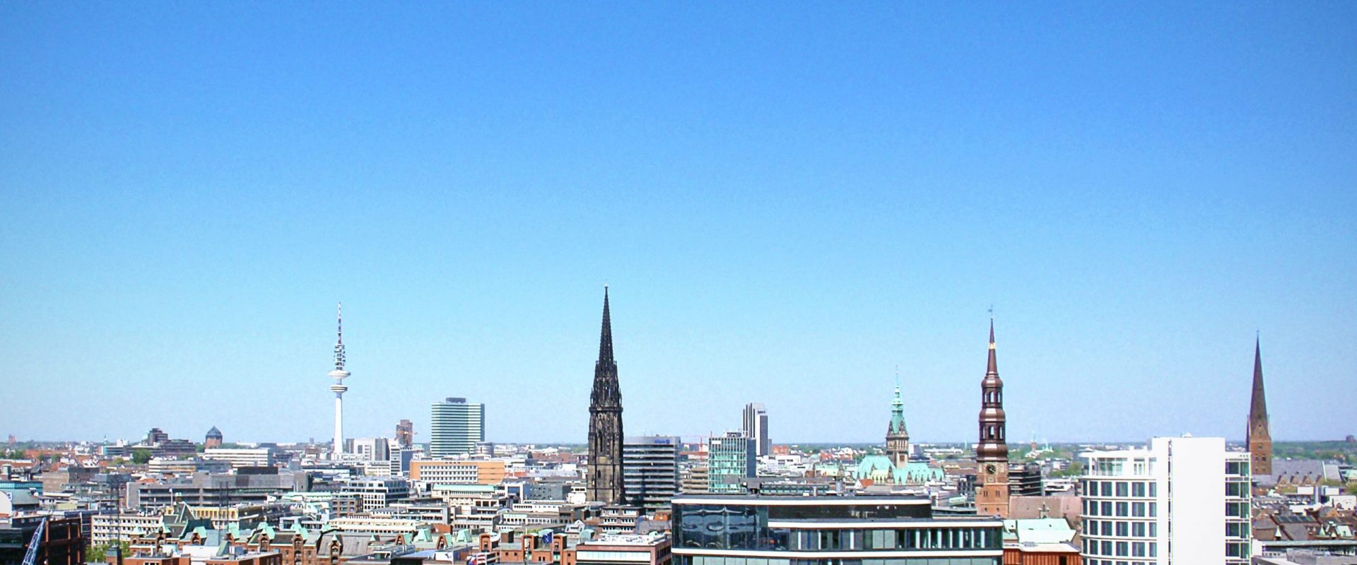skyline-hamburg-city-buildings-39152